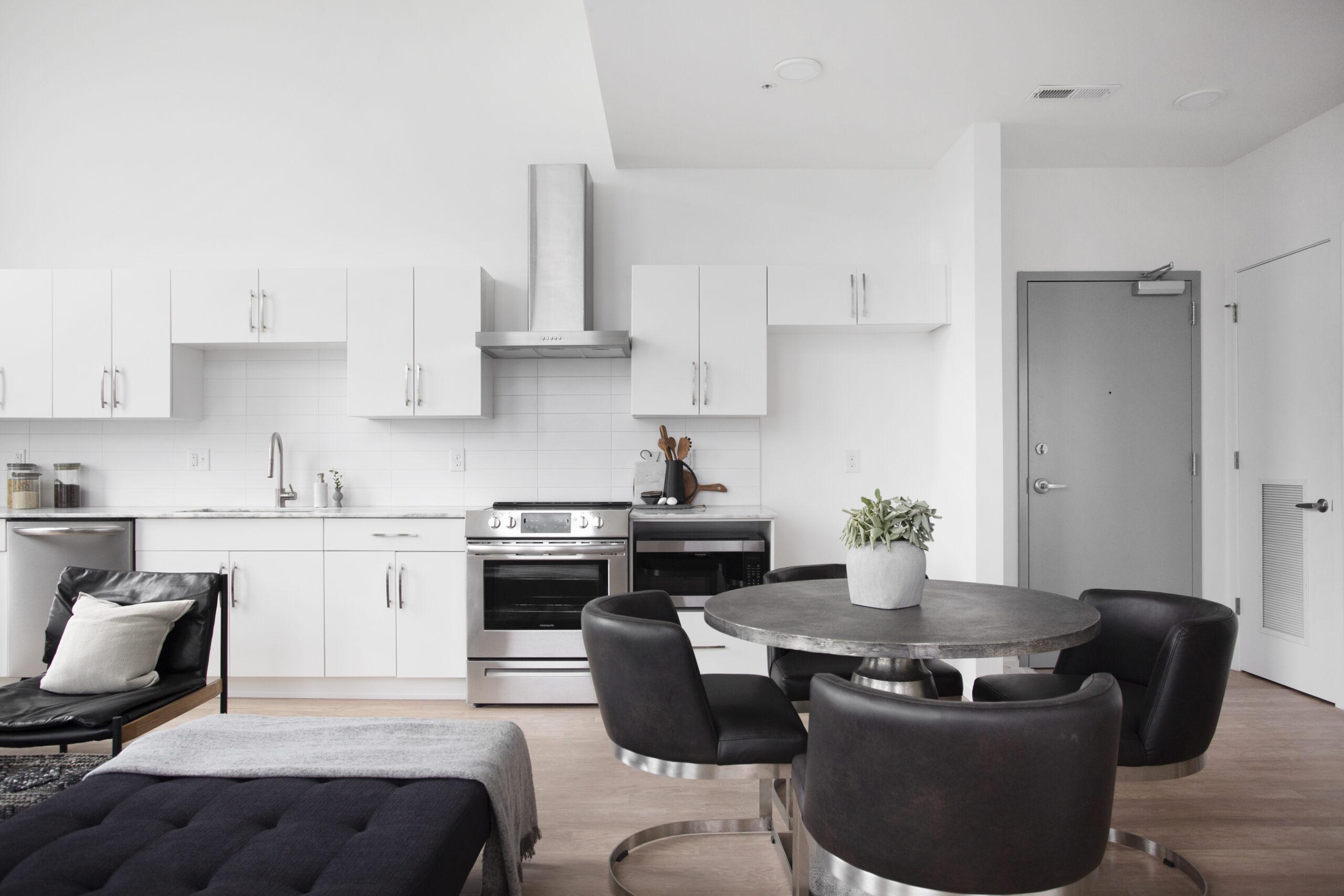05-Mayker-Interiors-Home-Staging-Furniture-Rentals-Modern-Design-Decor-Nashville-Alina-Model-Unit